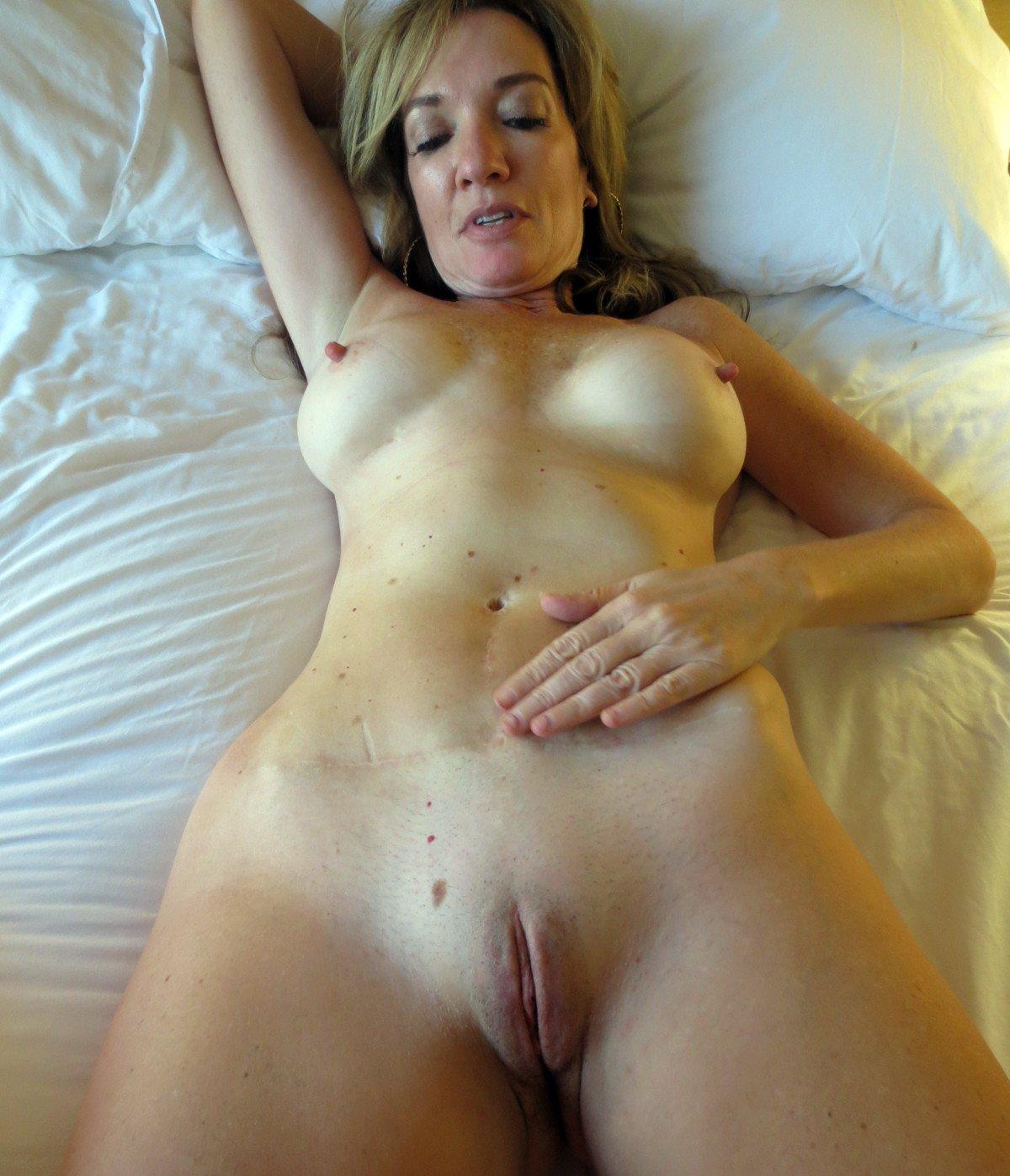 Housewife selfies naked Wife Selfie