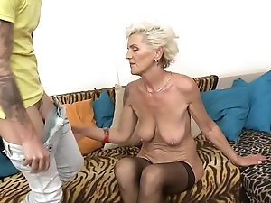 Clips of mature women fucking