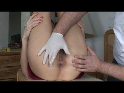 Obtaining a anal exam