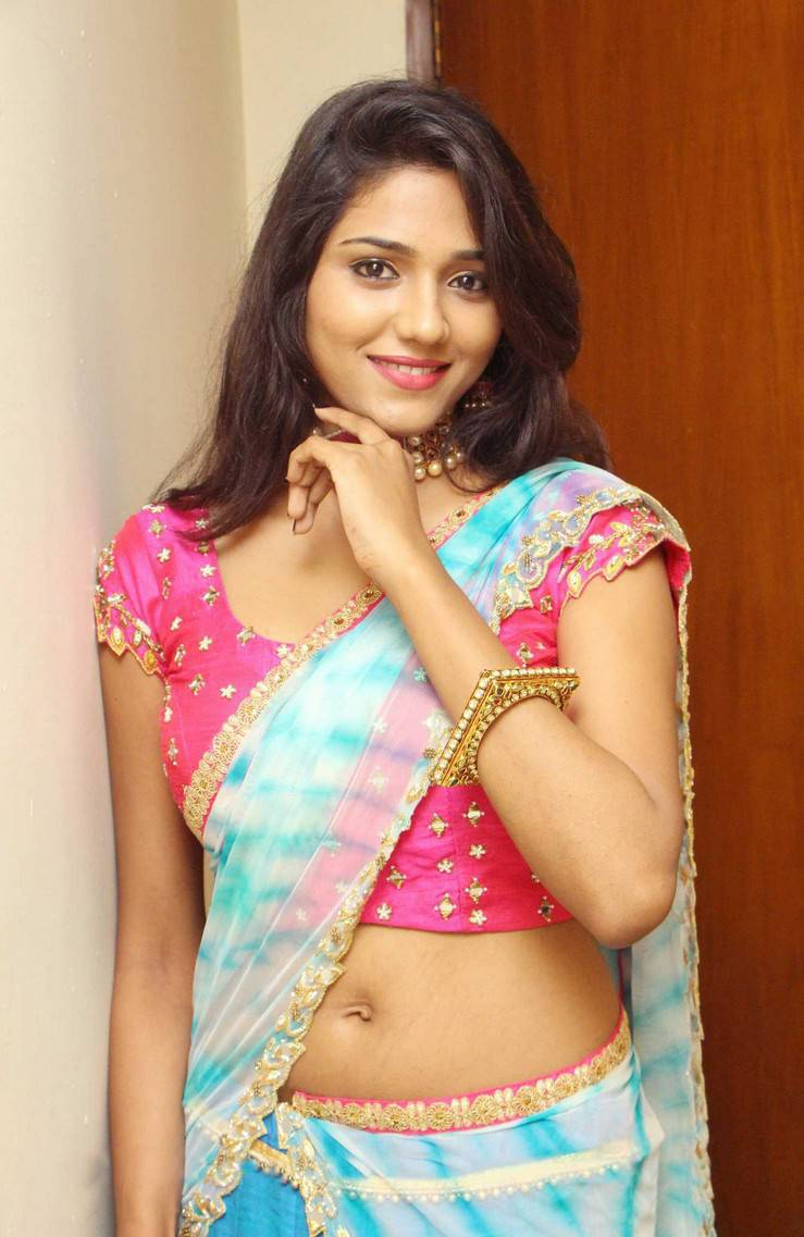 Beautiful Indian Women in Saree- Hottest Photo Gallery in