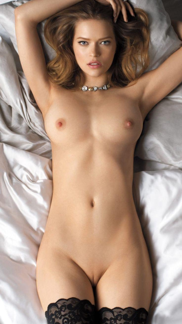 Nude chicks pictures